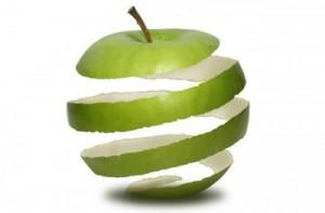 Cáscara de manzana en espiral.